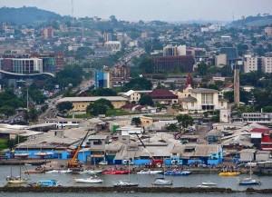 Blick auf Libreville, die Hauptstadt Gabuns (Bild: Wikipedia/kennedy8kp).