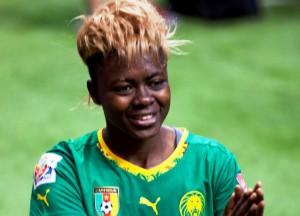 Gaelle Enganamouit, Nationalspielerin von Kamerun (Bild: Wikipedia/GoToVan).
