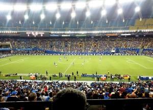 Im Montreal Olympic Stadium geht das Viertelfinale zwischen Frankreich und Deutschland über die Bühne (Bild: Wikipedia/Gates of Ale).