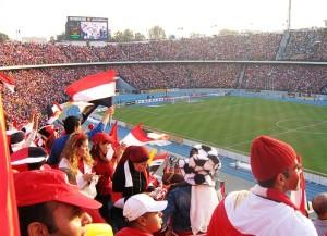 Das Kairo-Stadion, hier spielt Al Zamalek (Bild: Wikipedia/Citadelite).