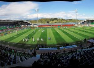 Das Stadium Chinquihue, einer der Austragungsorte der U17-WM (Bild: Wikipedia/Ivotoledo45).